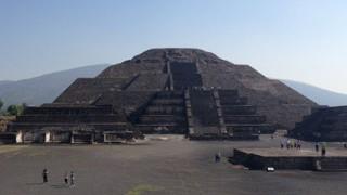 メキシコ ハネムーン(新婚旅行) テオティワカンとグアダルーペ寺院