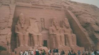 エジプト旅行記 世界遺産アブシンベル神殿とイシス神殿