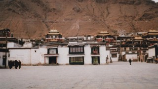 中国・チベット旅行記 シガツェのタシルンポ寺を観光してからラツェへ