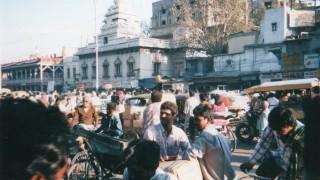 インド旅行記 首都デリーの喧騒の中へ